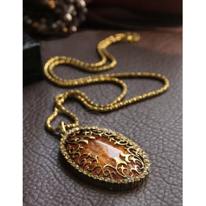 Sweet Fashion Style Amber Oval Shape Pendant Design Necklace For Women