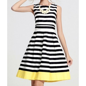 Stylish Scoop Collar Sleeveless Striped Spliced Dress For Women black white
