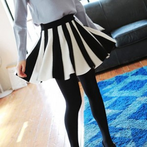 Fashionable Women's Color Block Pleated Knitted Skirt white black