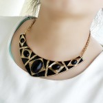 Retro Style Gemstone Embellished Ellipse Shape Necklace For Women black
