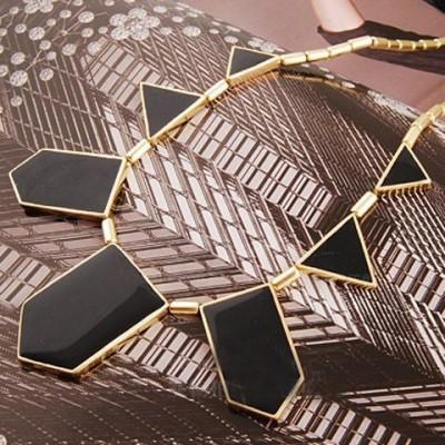 Vintage Irregular Pendant Necklace For Women Black