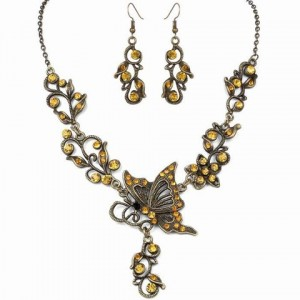 A Suit of Charming Rhinestone Butterfly Hollow Out Necklace and Earrings For Women