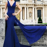 Alluring Sleeveless Plunging Neck Solid Color Backless Dress For Women blue