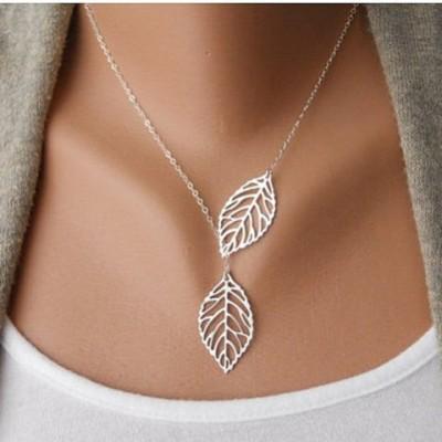 Stylish Women's Openwork Leaf Pendant Necklace