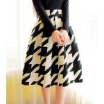 Vintage High-Waisted Houndstooth Ruffled Skirt For Women white black