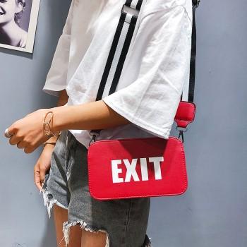 2019 New Korean Version Ins Wild Messenger Bag Wide Shoulder Strap Small Square Bag Shoulder Bag