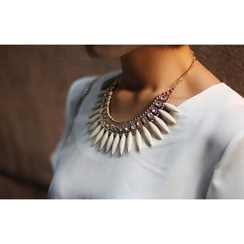 Brilliant Rhinestoned Leaf Shaped Pendant Alloy Necklace For Women