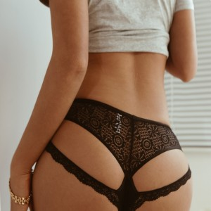 2020 Sexy Lace Sports Fitness Underwear Low shorts Triangle Panties Cross Thin Seamless Sports Mesh Hollow Yoga Shorts Women
