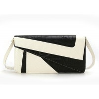 Casual Women's Clutch With Snake Veins and Splice Design