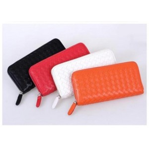 Causal Women's Wallet With PU Leather Solid Color Zipper Design