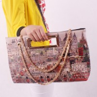 Stylish Women's Shoulder Bag With Chains and Print Design