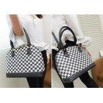 Pretty Women's Tote Bag With Houndstooth and Rivets Design