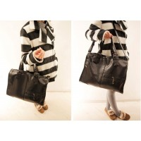 Street Level Women's Leather Handbag With Solid Color and Zip Deisgn
